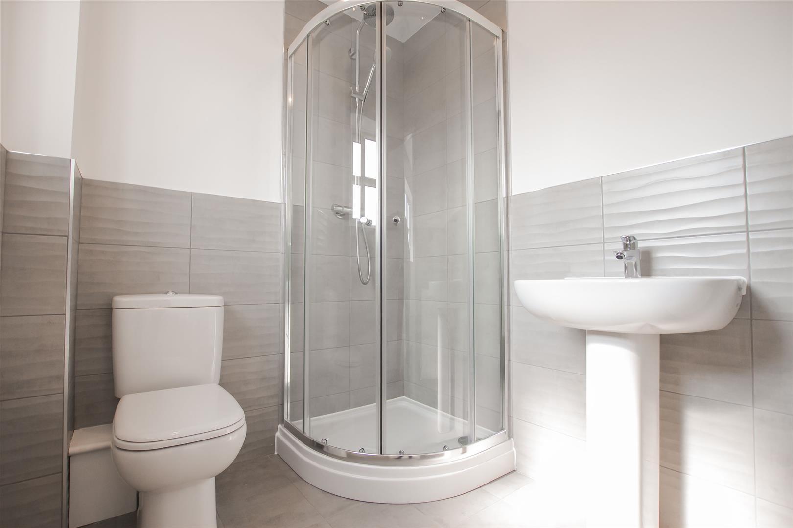 4 Bedroom Detached House For Sale - Show Home En Suite (1).jpg